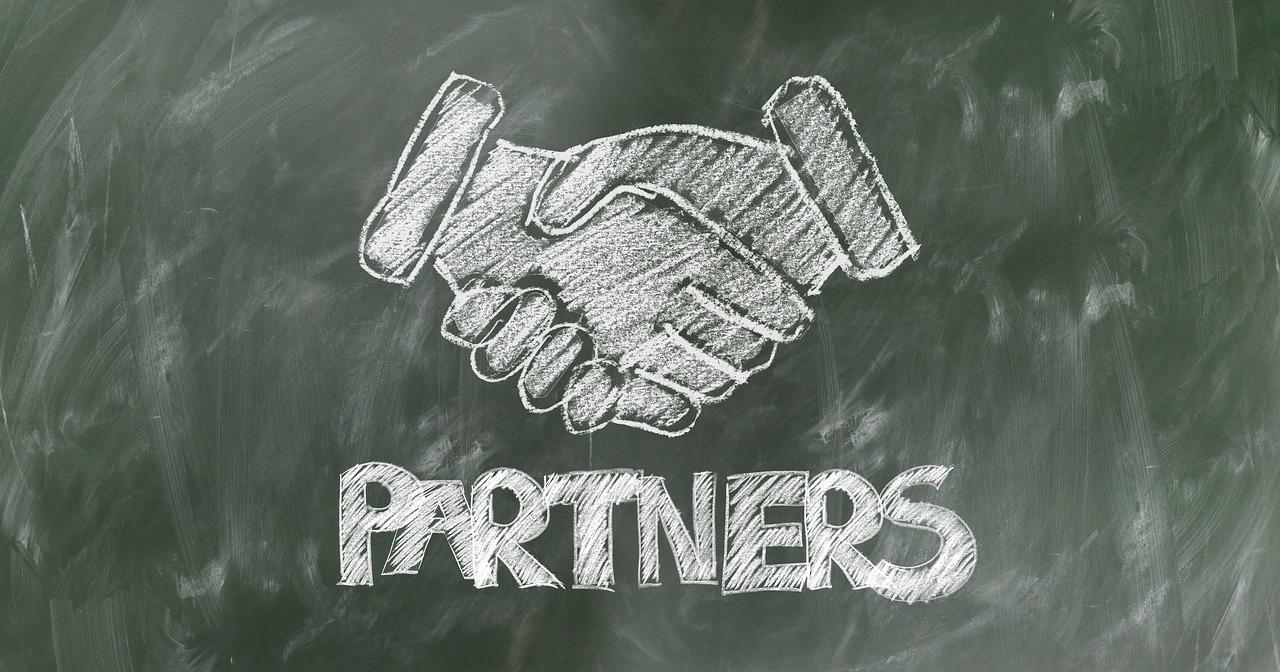 仕事のパートナーを選ぶポイントは同世代かどうか。