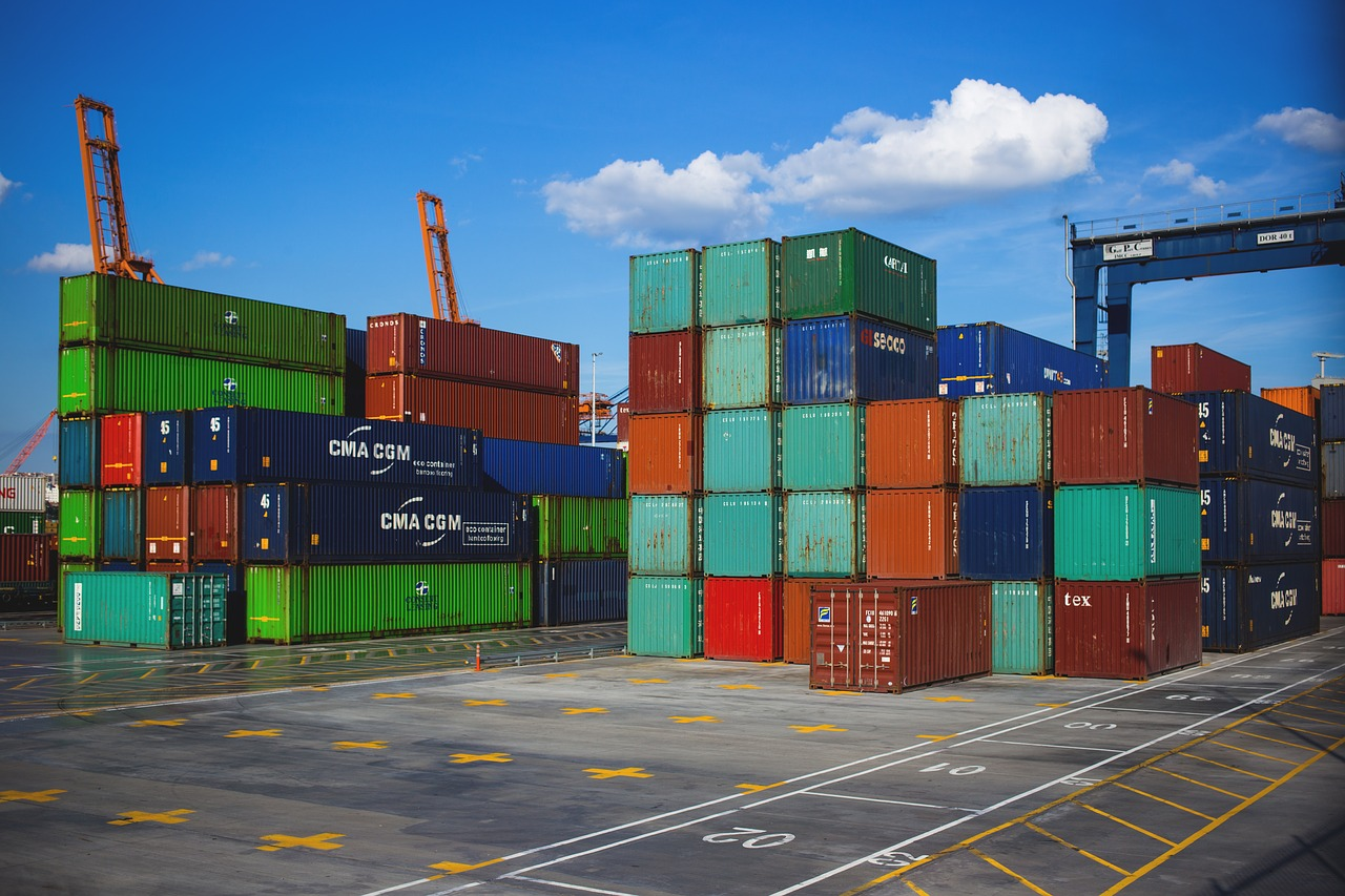 商品の輸出費用に関する経理処理の取り扱い。在庫金額に含める必要があるのかどうか?