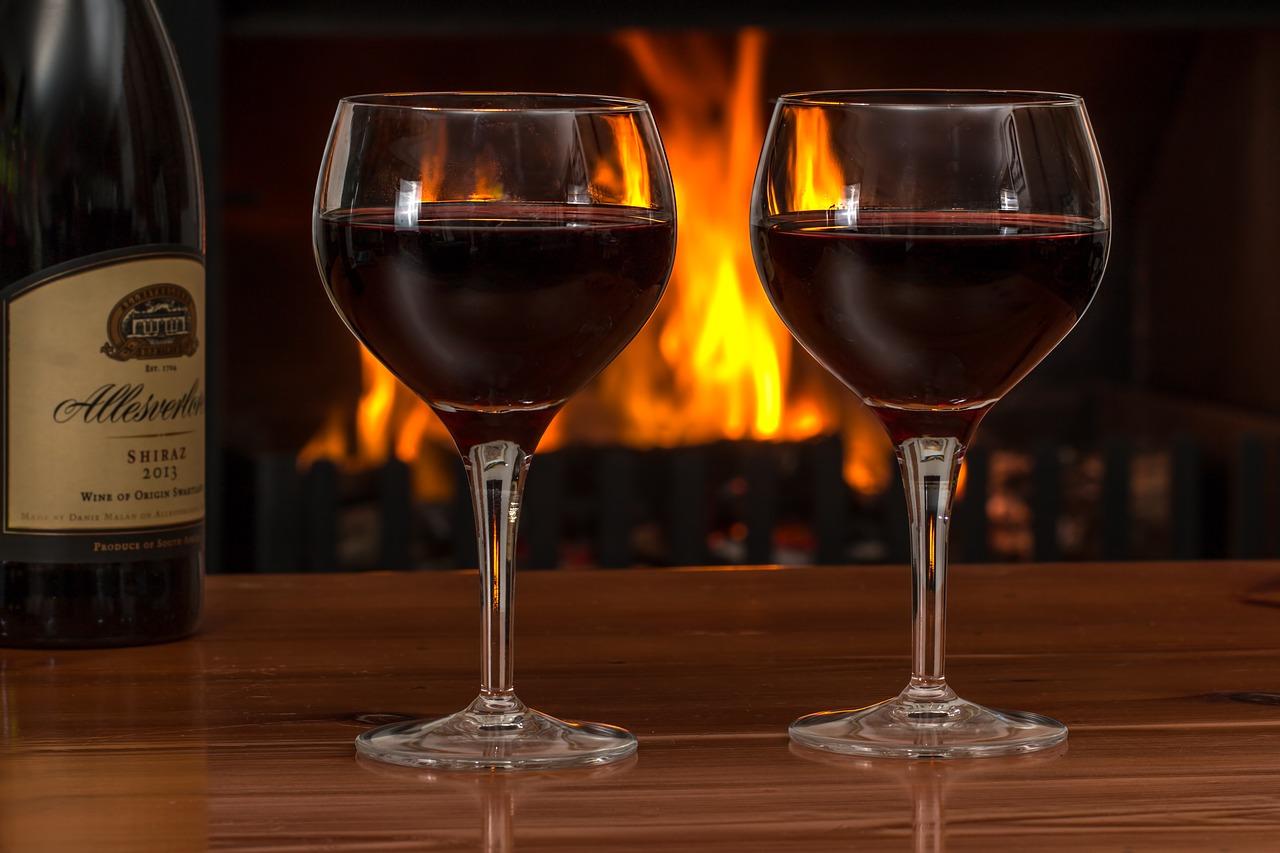 お酒を飲んだらやらないほうが良い業務とは?それでもやるなら、こんな基準をつくってみては??