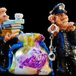 脱税や税金の不正還付は罪も重いですよ。